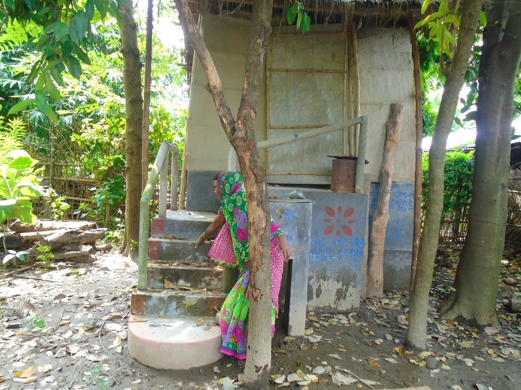 NEWS | HI-AWARE's pilot eco-san toilets provide hope in flooded Bihar